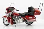 "MAISTO. Harley Davidson 2005 Ultra Classic Electra Glide "", medindo 14 cm."