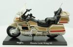 "MAISTO. Honda ""Gold Wing SE "" , medindo 14 cm."