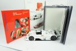COLECIONISMO. BMW ART CAR COLLECTION , composto de: caixa com livros e réplica miniatura BMW V12 LMR 1999 design JENNY HOLZER.