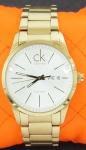 Relógio Calvin Klein em dourado (no estado).