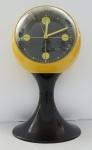 Relógio de mesa anos 50 , alemão(no estado). Alt. 21 cm.