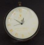 Relógio de mesa em metal e cristal na forma de esfera (no estado). Diâm. 10 cm.