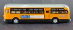 Ônibus - Colectivo Ss 9853 Tour Greenland Co. Tours Service England, Medida 6 x 21 x 5 cm, acompanha caixa expositora em acrílico, medida 7 x 23 x 7,5 cm.