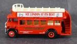 Ônibus - Modelo DG 15 Londres Conversível - London Bus, Medida 4 x 8,5 x 2,5 cm, acompanha caixa expositora em acrílico, medida 6,5 x 10 x 5,5 cm.