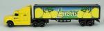 Caminhão  Lemons Danger -Stay Back ,Marca Maisto  , medida 4 x 21 x 3 cm, acompanha caixa expositora , medida 8 x 24 x 6 cm.