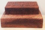 Lote com 2 porta jóias, em madeira oriental pintada a mão, medindo 25x15 cm e 30x20 cm