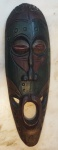 Máscara africana medindo 49x16 cm