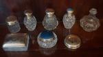 Lote em grosso cristal, prata e metal para toalete composto de: 4 perfumeiros, 3 porta algodão e 1 tampas. (No estado), total 8 peças.