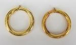 Par de argolas de pressão, em ouro com contraste 750, marca LeGi, peso 18.6 gr