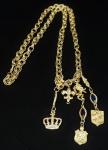 Colar em metal dourado, decorado com pingetes, med 44 cm fechado