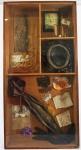 """SORENSEN. """"Caixa"""". Instalação em madeira , 100 x 52 cm. com vidro. Esta obra participou da Exposição do artista no MEC - Ministério de Educação  e Cultura em 1956."""