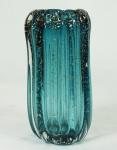 Vaso de Murano na cor azul com pó de ouro , gomado. Medidas 26 x 10 cm.