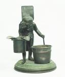 Conjunto para fumante em cobre, representando Homem  com fosforeira, cinzeiro e porta cigarros. Alt.  17 cm