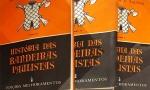 (LOTE CONTÉM 3 VOLUMES). TAUNAY, Affonso de E. História das bandeiras paulistas. 2. Ed. São Paulo: Melhoramentos, (19--). Il. p&b.; 23 x 16 cm. Aprox. 1.500 g. Assunto: Bandeiras paulistas-História. Idioma: Português. Estado: Livros com as capas e folhas envelhecidas com marcas do tempo. (CI: 100)