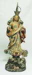 Imagem de Nossa Senhora em madeira policromada. Medida total: 40cm. Contém marcas do tempo (Perdas pictóricas. Falta de duas cabeças de anjos e mão).