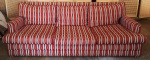 Sofá estofado com 3 (três) almofadas no assento e 3 (três) almofadas no encosto. Medida: 74x208x72cm.
