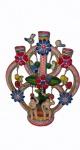 """""""Árvore da vida"""", peça em cerâmica policromada contendo 2 figuras humanas, pássaros e flores, medindo 27 x 22 cm, sobre base redonda medindo 10 cm de diâmetro. Um dos pássaros está qubrado e elementos com restauros."""