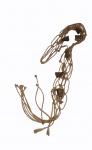 Enfeite em corda com macramê e 6 sinos em metal, medindo 90 x 5 cm.