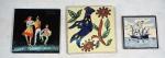 Souvenirs de Portugal: três (3) azulejos policromados, uma (1) caravela 1512 medindo 7,5 x 7,5 cm, um (1) casal dançando medindo 10,5 x 10,5 cm, um (1) pássaro medindo 10,5 x 10,5 cm.