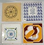 """Quatro (4) azulejos decorativos medindo 15,5 x 15,5 cm cada:-1 SAMICO BRENNAND. Pássaro (com restauro)-1 """"A casa do Rio vermelho"""" com a frase """"se for de paz, pode chegar""""-1 AMELIA ZALUAR. Mandala-1 AMELIA ZALUAR. Azulejo rústico"""