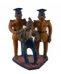 ARTE POPULAR . Grupo escultórico em barro cozido policromado . No estado (alguns lascados) . Medidas 21 x 15 x 10 cm.