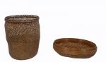 Lote contendo 2 peças em palha , sendo : 1 bowl (29 cm) e 1 cesto  ( 26 cm).