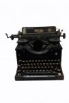 Antiga máquina de escrever ROYAL, laterais com vidro bizotado . No estado. Medidas 26 x 38 x 38 cm.
